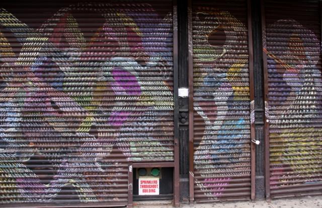 rolluiken zijn een andere populaire canvas voor street artists