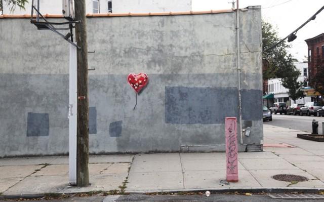 Banksy_heart_balloon brooklyn