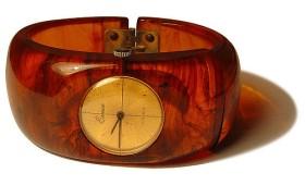 horloge in bakeliet