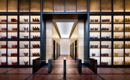 2. 10-Hudson-Yards-Coach-Lobby-c-Steve-Freihon-for-Related-Oxford