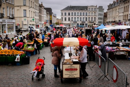 The market in Molenbeek (Photo: Johannes Vande Voorde)
